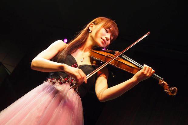 ボカロのヴァイオリン版が大人気!石川綾子「VOCALO CLASSIC」DVD発売!